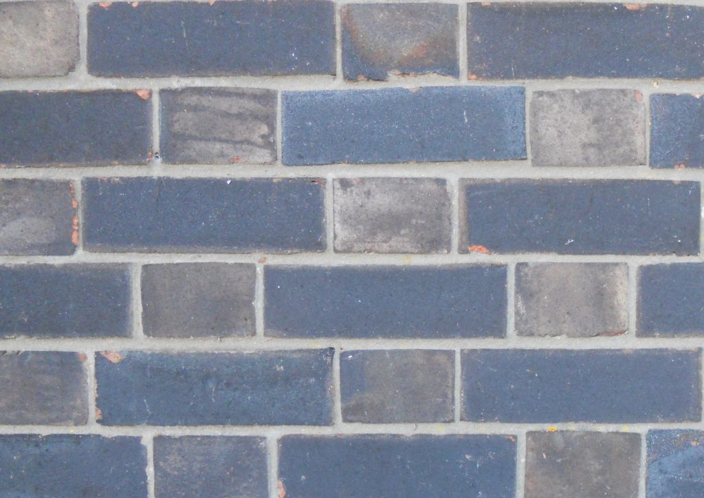 Solid wall brick pattern